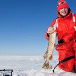 Guía de ropa y equipo de pesca para clima frío